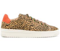 'Yeye Nintu' Sneakers