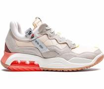MA2 Sneakers