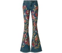 Ausgestellte Jeans mit Stickerei