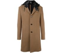 Mantel mit kontrastierender Kapuze