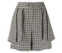 Karierte Shorts im Layering-Look