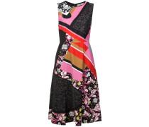 Kleid mit verschiedenen Prints