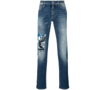 Jeans mit MusikerStickerei