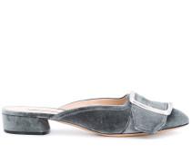 Samt-Mules mit Schnalle
