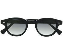 Sonnenbrille mit dickem Gestell