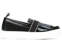 Slip-On-Sneakers mit Zierlasche