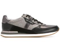 Sneakers mit Einsatz