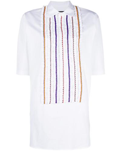 Hemdkleid mit verzierten Rüschen