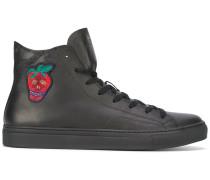 - High-Top-Sneakers mit Erdbeer-Patch - men