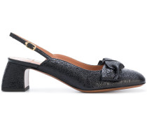 Slingback-Pumps mit Schleifenapplikation