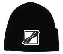 Gestrickte Mütze mit Logo-Patch