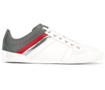 Sneakers mit gestreiftem Details