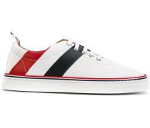 Sneakers mit diagonalen Streifen