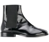 Stiefel mit Tabi-Kappe