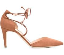 Sandalen mit Schnürung