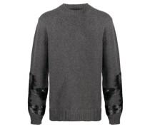 Pullover mit bemalten Ärmeln