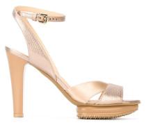 Sandalen mit Metallic-Effekt