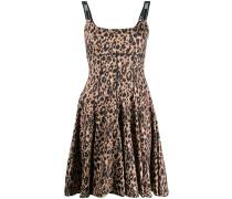 Ausgestelltes Kleid mit Leoparden-Print
