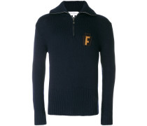 "Pullover mit ""F""-Patch"