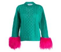 Pullover mit Federn