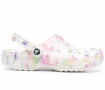 Sandalen mit Batikmuster