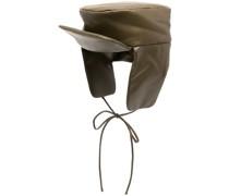 Hut mit Schleifenverschluss