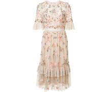 Semi-transparentes Kleid mit Blumenstickereien