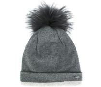 pom-pom beanie hat