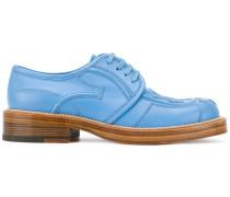 Derby-Schuhe mit Ziernähten