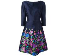 Kleid mit Schlitzausschnitt - women