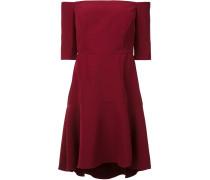 Schulterfreies Kleid mit ausgestelltem Schnitt