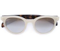 Sonnenbrille mit kontrastierendem Rahmen