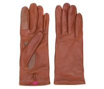 Handschuhe mit sichtbaren Nähten