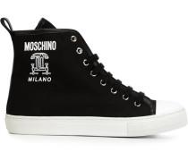 "Sneakers mit ""CC""-Motiv"