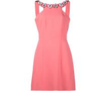 Kleid mit Blumenapplikationen