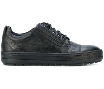 Texturierte Sneakers mit Schnürung