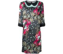 Kleid mit floraler Verzierung