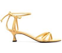 Verzierte Sandalen