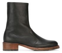 'Replica' boots