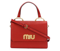 Handtasche mit Logo-Schild