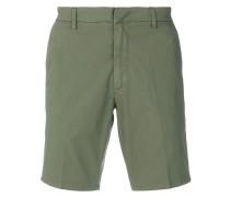 Klassische Chinos-Shorts