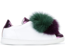 Sneakers mit Bommel