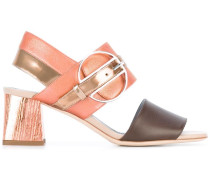 Sandalen mit Metalldetail