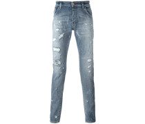 istressed slim-fit jeans