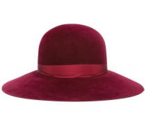 Hut mit Krempe