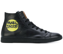 Klassisches High-Top-Sneakers