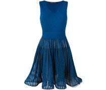 - Ausgestelltes Kleid - women