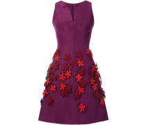 Seidenkleid mit Blumenapplikationen