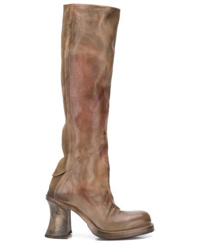 Kniehohe Stiefel im Distressed-Look
