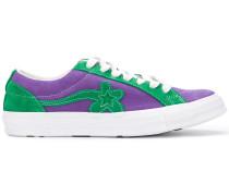 Sneakers mit Blumenmotiv